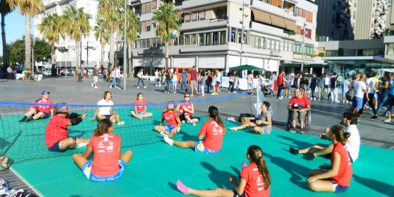 Sitting Volley - Esibizione Piazza Salotto (2)