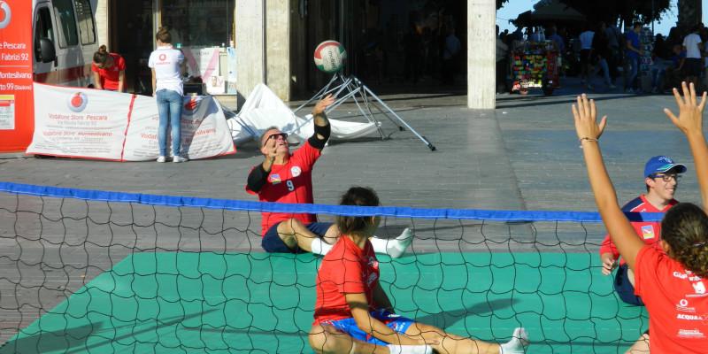 Sitting Volley - Esibizione Piazza Salotto (5)