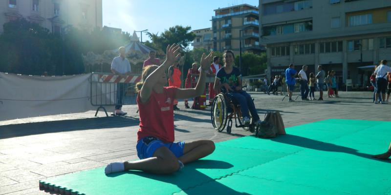 Sitting Volley - Esibizione Piazza Salotto (6)