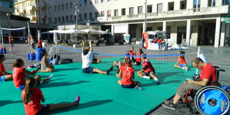 Sitting Volley - Esibizione Piazza Salotto (7)